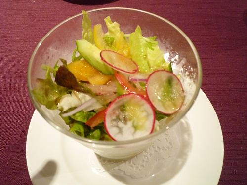 地元新鮮野菜のサラダ